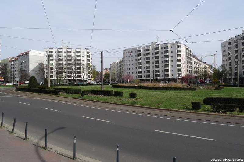 Bersarinplatz (Ostseite)