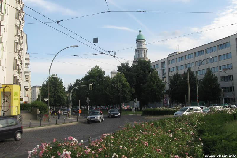 Bersarinplatz, Blickrichtung Frankfurter Tor