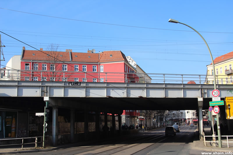 Boxhagener Straße / Bezirksgrenze