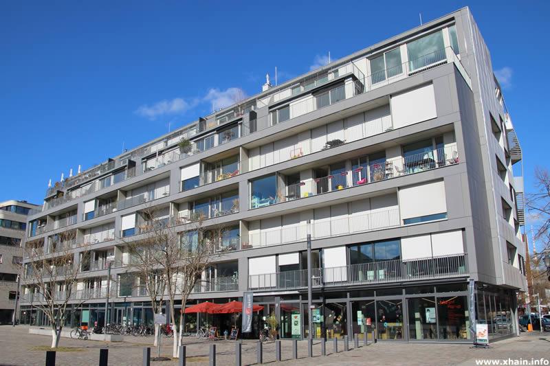 Fromet-und-Moses-Mendelssohn-Platz 7-9