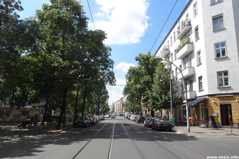 Wühlischstraße, Blickrichtung Simon-Dach-Straße