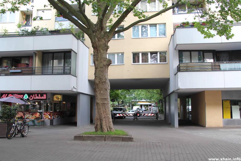Durchgang Mehringplatz / Brandesstraße