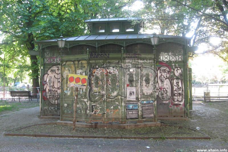 """""""Café Achteck"""" auf dem Boxhagener Platz"""