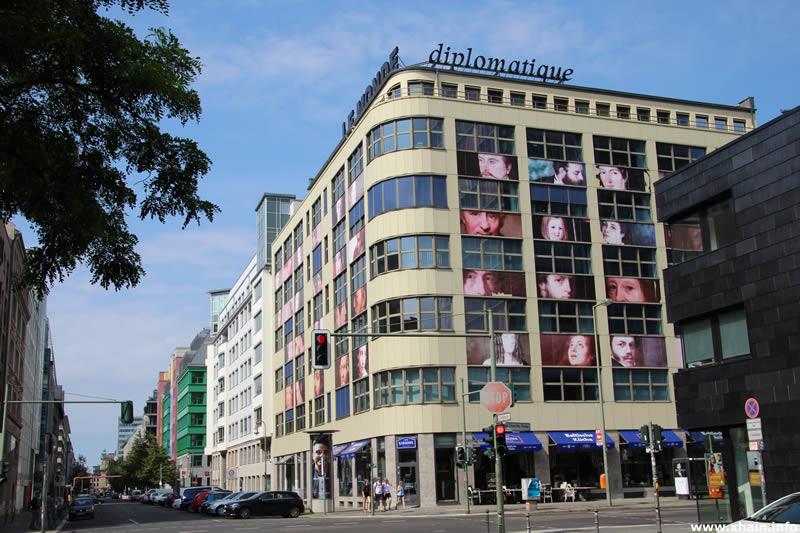 Charlottenstraße Ecke Rudi-Dutschke-Straße (Le Monde diplomatique)
