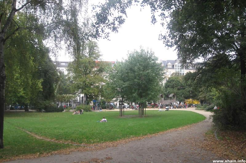 Comeniusplatz, Blickrichtung Gubener Straße