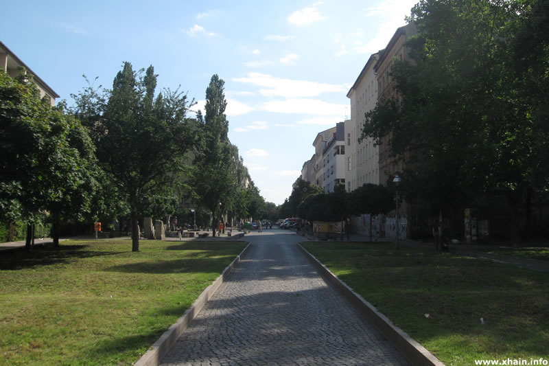 Verkehrsberuhigter Bereich in der Cuvrystraße