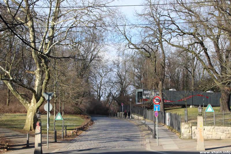 Ernst-Zinna-Weg, Ecke Landsberger Allee