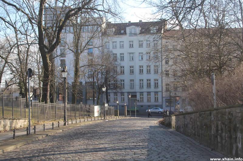 Ernst-Zinna-Weg, Blickrichtung Landsberger Allee