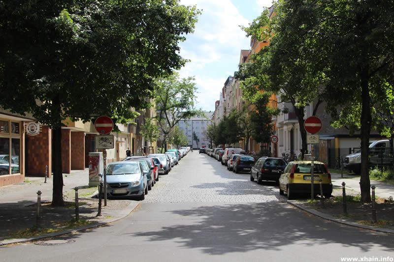 Eylauer Straße, Ecke Monumentenstraße (Einbahnstraße)