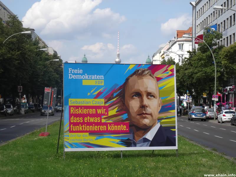 FDP-Wahlplakat mit Sebastian Czaja auf der Frankfurter Allee