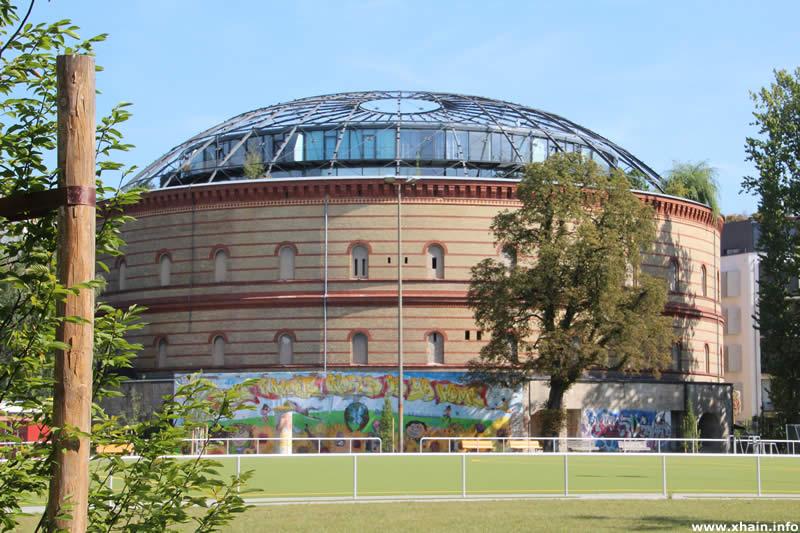 Fichtebunker und Sportplatz Körtestraße