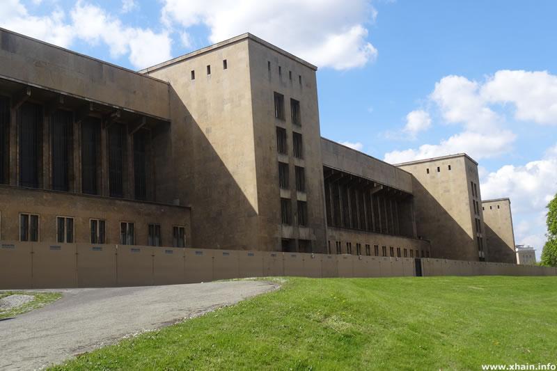 Ehemaliger Flughafen Berlin-Tempelhof (THF) am Columbiadamm