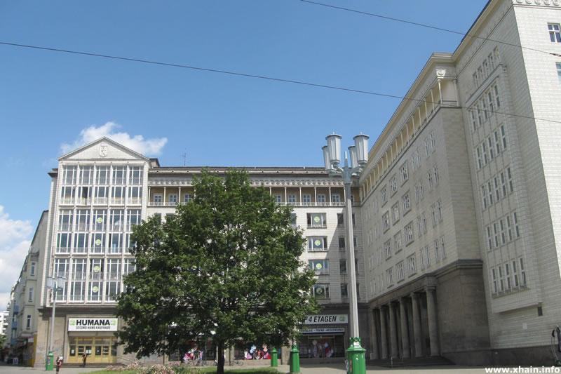 Frankfurter Tor, Nordost-Seite (Humana)