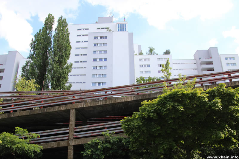 Parkhaus an der Franz-Klühs-Straße