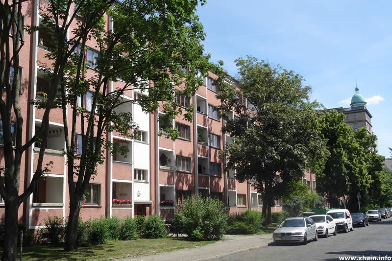 Hildegard-Jadamowitz-Straße / Karl-Marx-Allee 126 (Wohnzelle Friedrichshain)