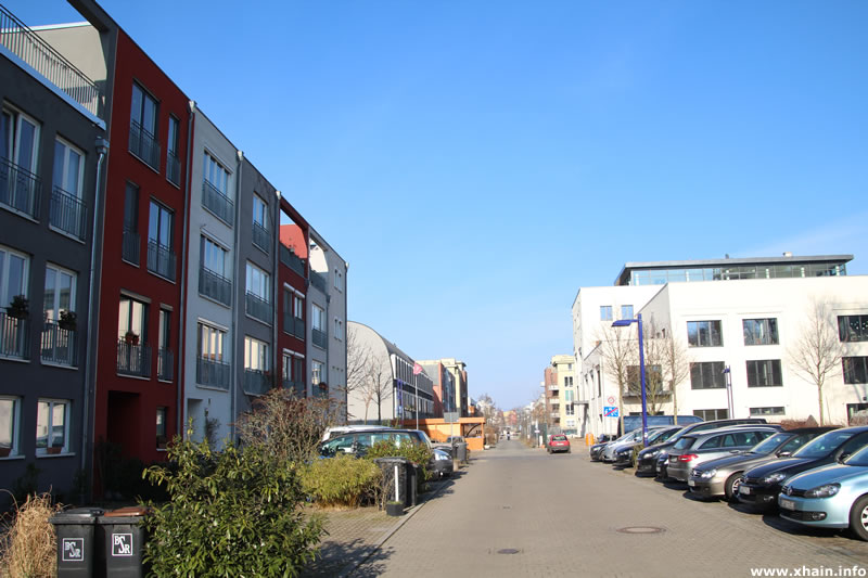 Jollenseglerstraße, Blickrichtung Bahrfeldtstraße