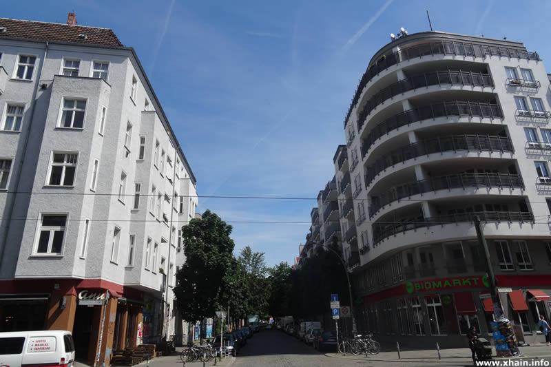 Kreutzigerstraße Ecke Boxhagener Straße (denn's Biomarkt)