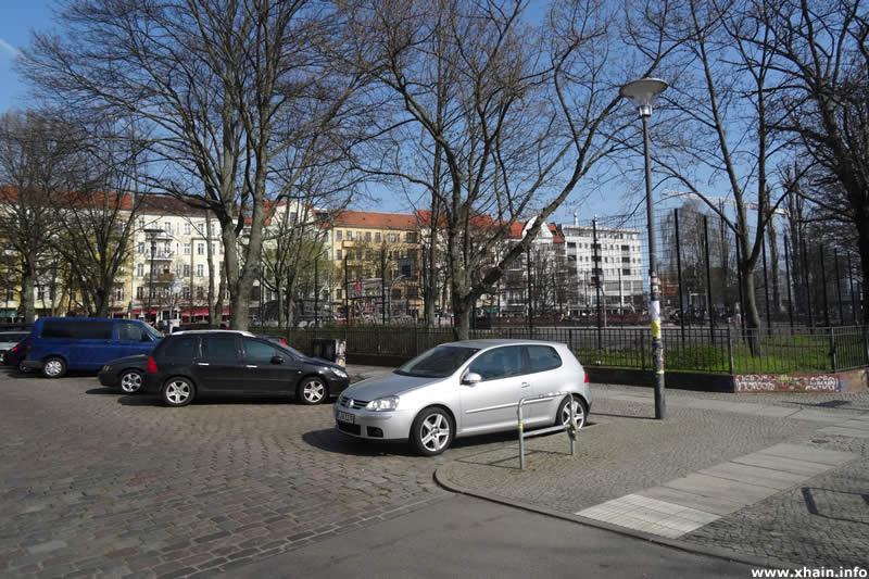 Lenbachstraße am Annemirl-Bauer-Platz
