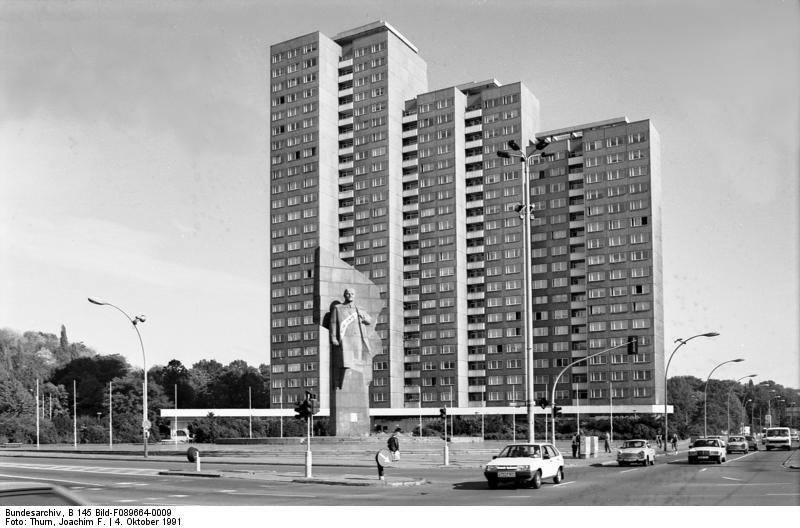 Lenindenkmal am Leninplatz  / Platz der Vereinten Nationen