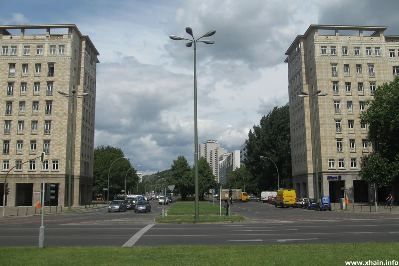 Lichtenberger Straße / Strausberger Platz