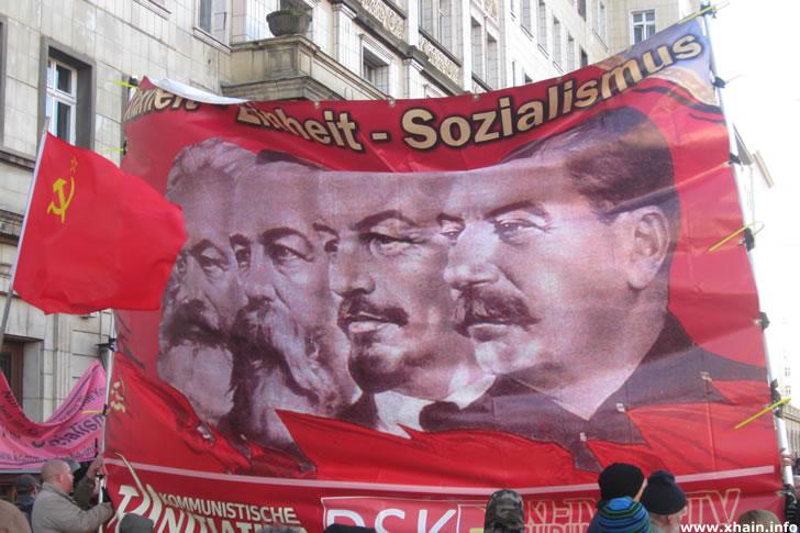 Stalin, Lenin, Engels und Marx auf der Liebknecht-Luxemburg-Demonstration