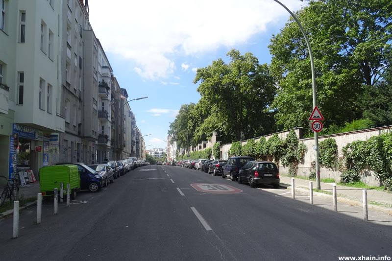 Monumentenstraße am Alten St.-Matthäus-Kirchhof