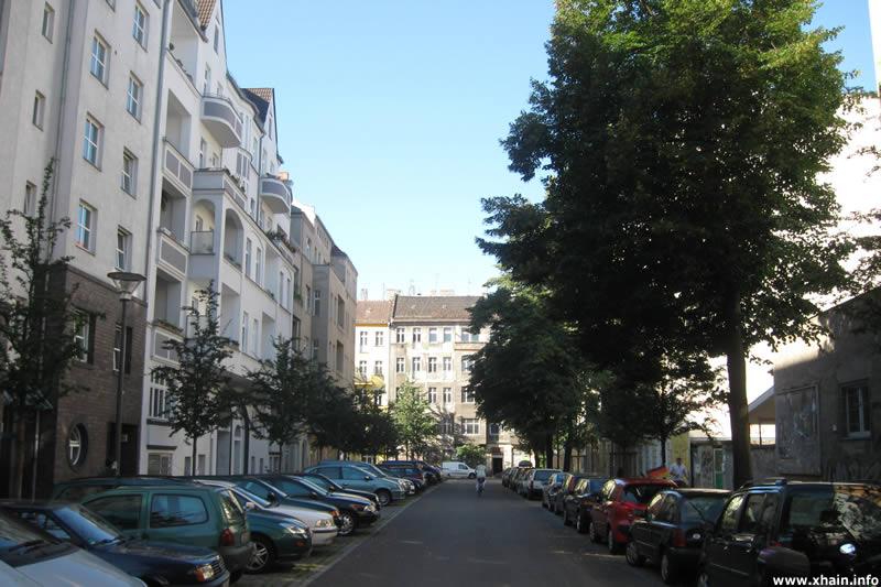 Müggelstraße, Blickrichtung Weserstraße