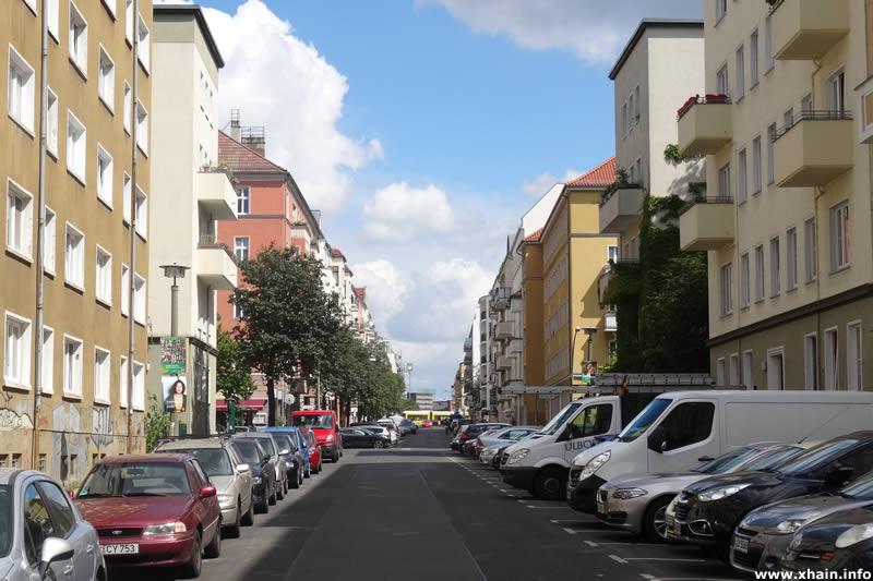 Mühsamstraße, Blickrichtung  Richard-Sorge-Straße