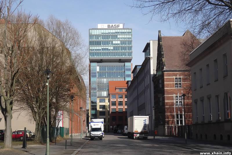 Naglerstraße, Blickrichtung Rotherstraße (BASF)