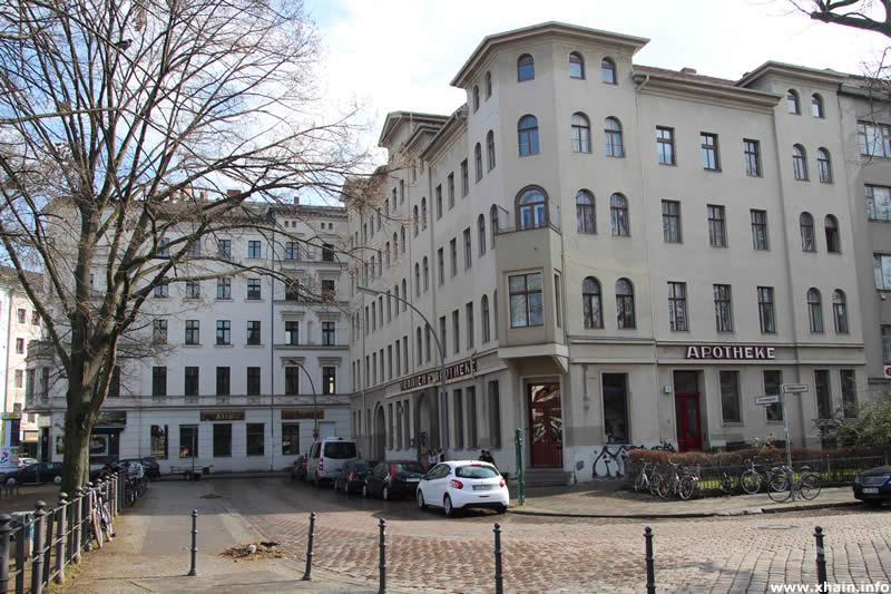 Oranienplatz Ecke Erkelenzdamm (Oranien-Apotheke)