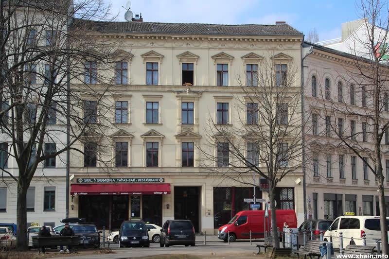 Oranienplatz 5 (Sol Y Sombra)