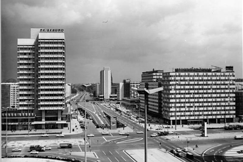 Otto-Braun-Straße 1972