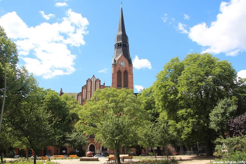 Pfingstkirche am Petersburger Platz