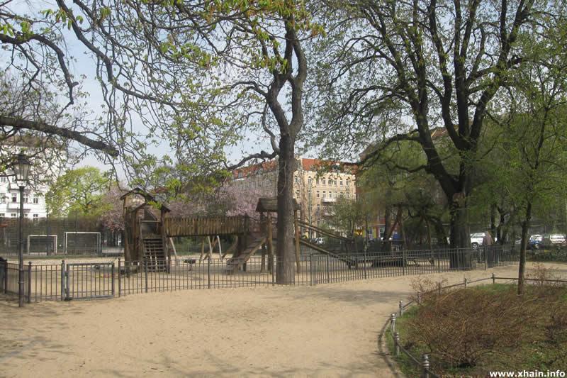 Spielplatz auf dem Petersburger Platz