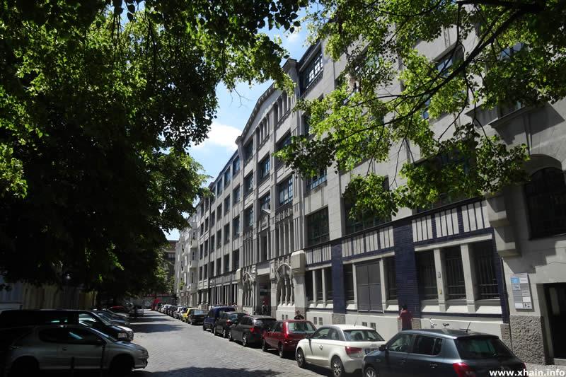 Pfuelstraße, Ecke May-Ayim-Ufer