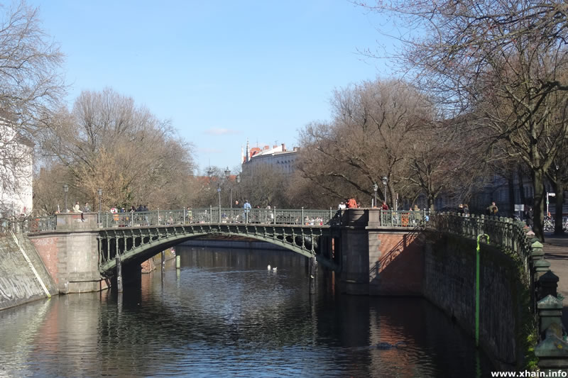 Admiralbrücke am Planufer