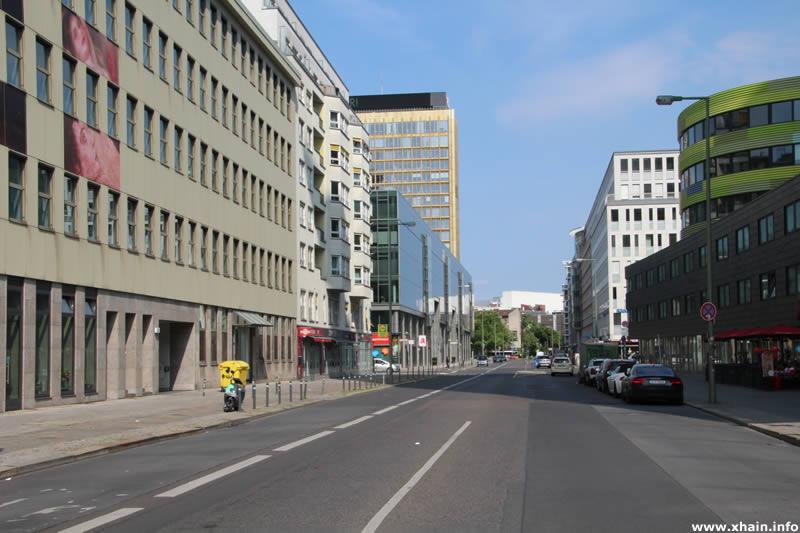 Rudi-Dutschke-Straße, Blickrichtung Osten