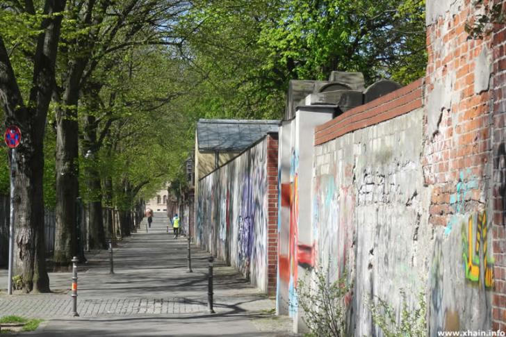 Baruther Straße - Friedhofsmauer