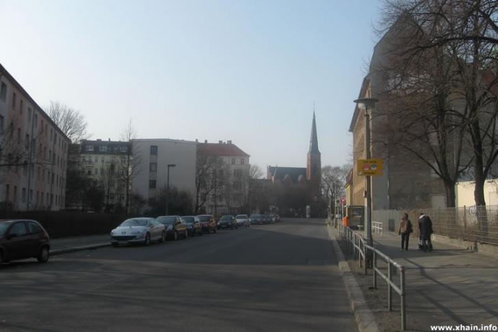 Corinthstraße, Blickrichtung Rudolfplatz (Zwinglikirche)