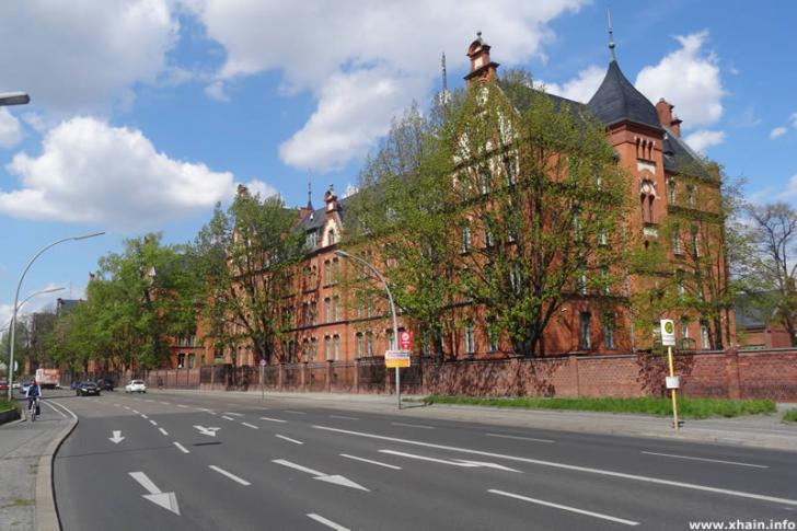 Kaserne am Columbiadamm