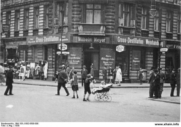 Gaststätte an der Ecke Koppen- und Lange Straße 1930
