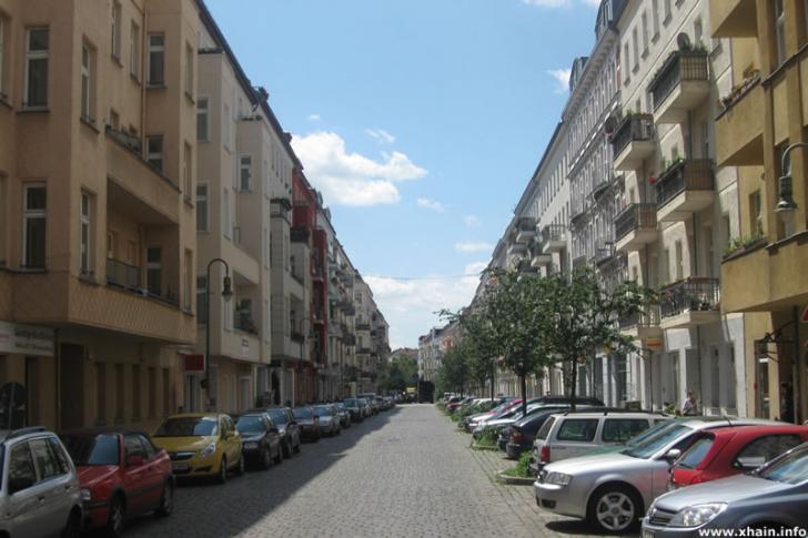 Mainzer Straße, Blickrichtung Boxhagener Straße
