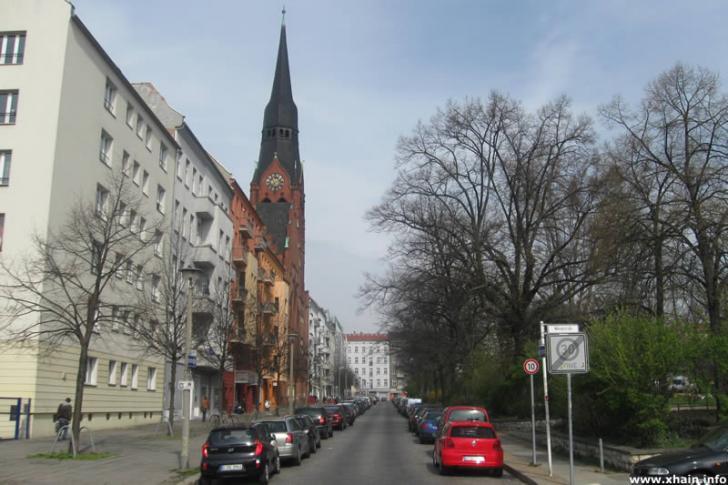 Petersburger Platz (Evangelische Pfingstkirche)