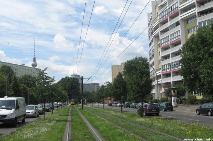 Platz der Vereinten Nationen / Mollstraße (Straßenbahn / Fernsehturm)