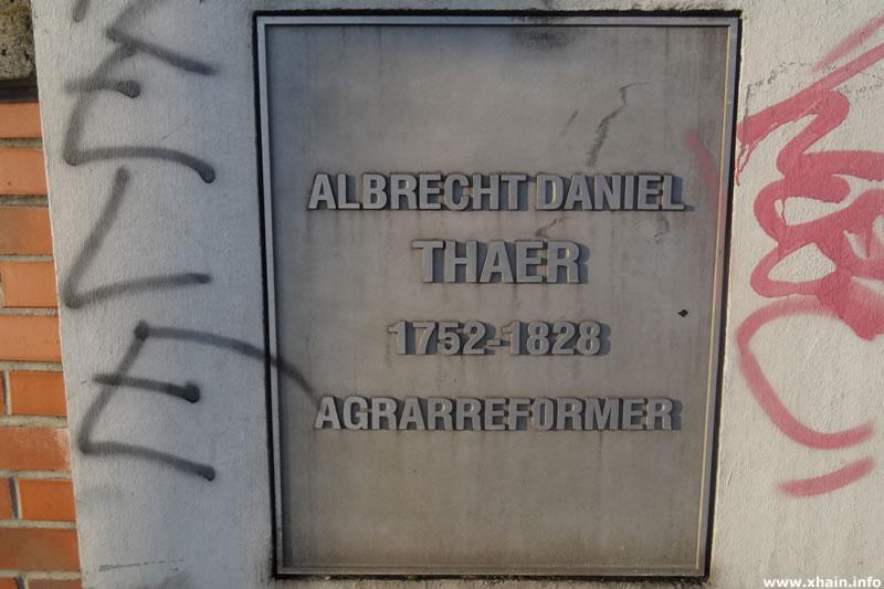 Inschrift Thaerstraßenbrücke
