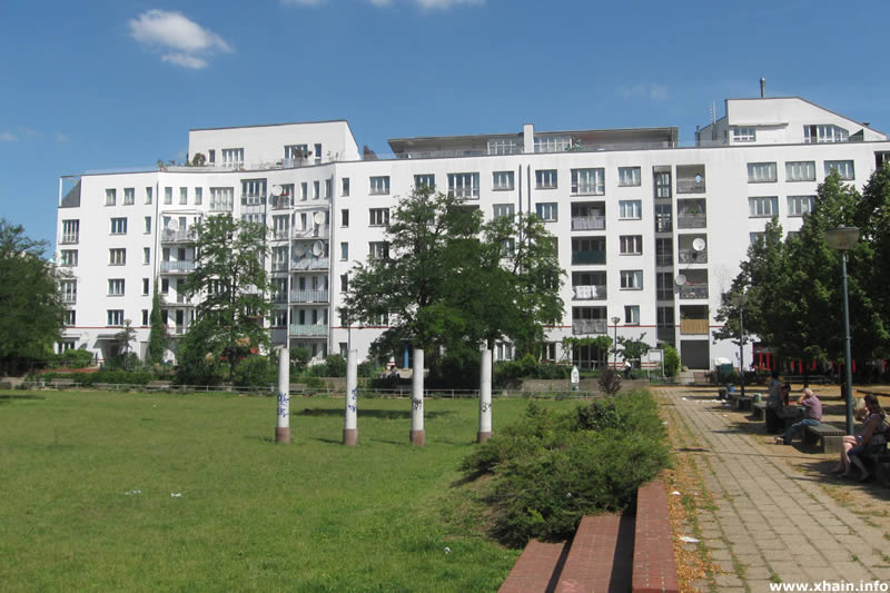 Theodor-Wolff-Park, Blickrichtung Rahel-Varnhagen-Promenade