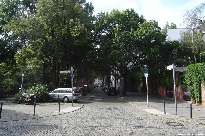 Travestraße Ecke Jessnerstraße