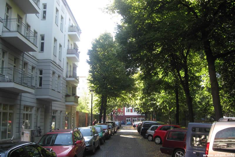 Travestraße, Blickrichtung Jessnerstraße
