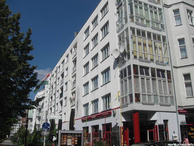 Rahel-Varnhagen-Promenade Ecke Friedrichstraße