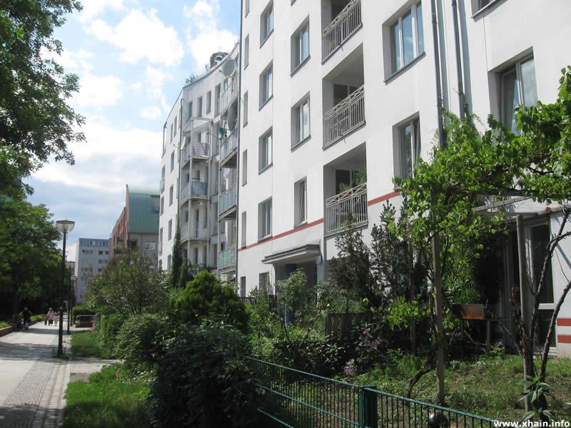 Rahel-Varnhagen-Promenade, Blickrichtung Wilhelmstraße